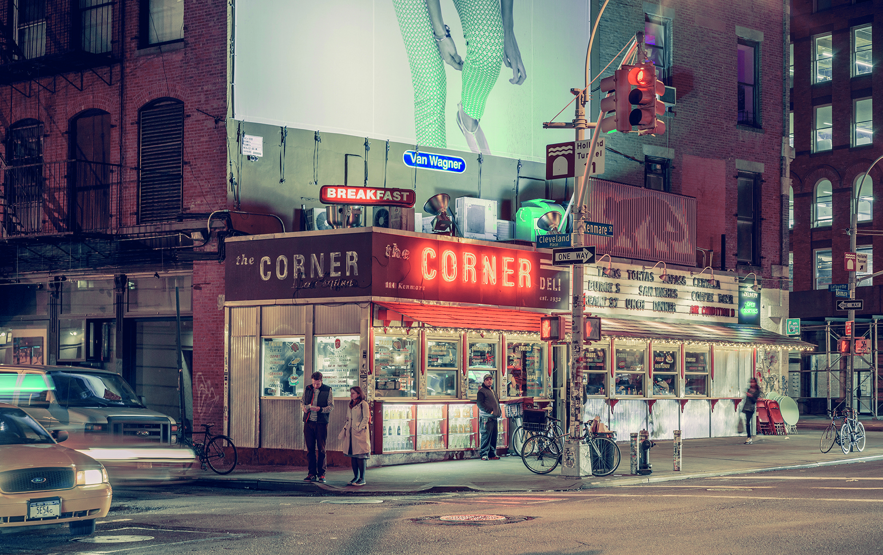 © Light On New City by Franck Bohbot, published by teNeues and YellowKorner, www.teneues.com, www.yellowkorner.com. The Corner Deli / La Esquina, Nolita, Manhattan, 2014, Photo © 2016 Franck Bohbot/INSTITUTE. All rights reserved. www.instituteartist.com