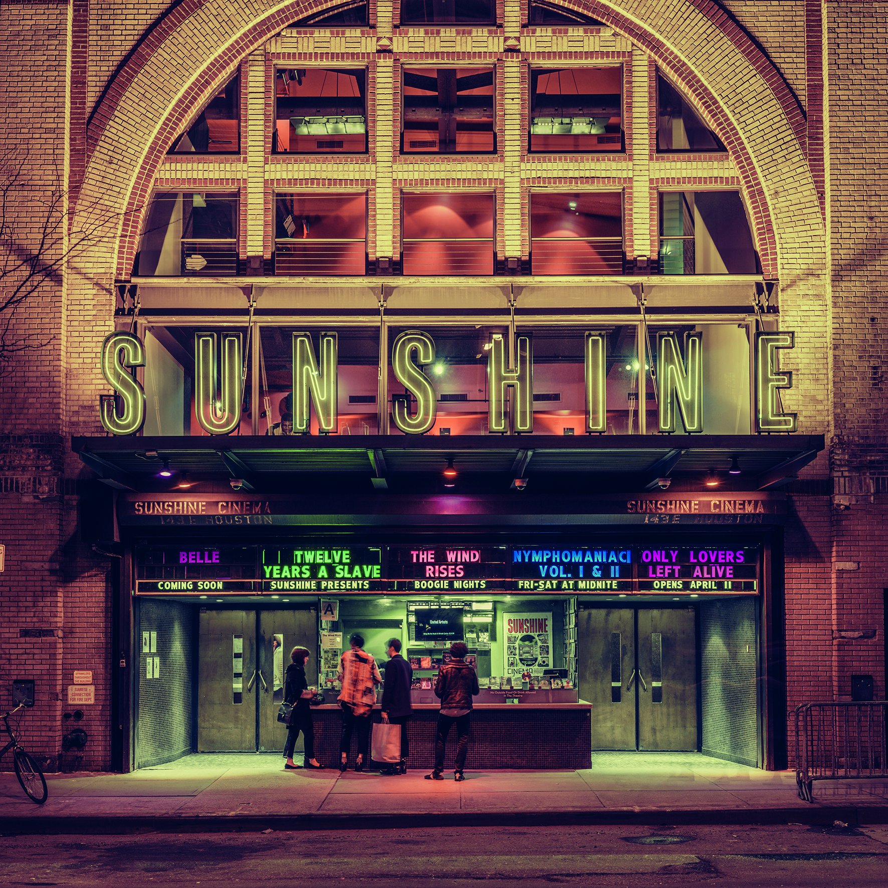 © Light On New City by Franck Bohbot, published by teNeues and YellowKorner, www.teneues.com, www.yellowkorner.com. Sunshine Cinema, Lower East Side, Manhattan, 2015, Photo © 2016 Franck Bohbot/INSTITUTE. All rights reserved. www.instituteartist.com