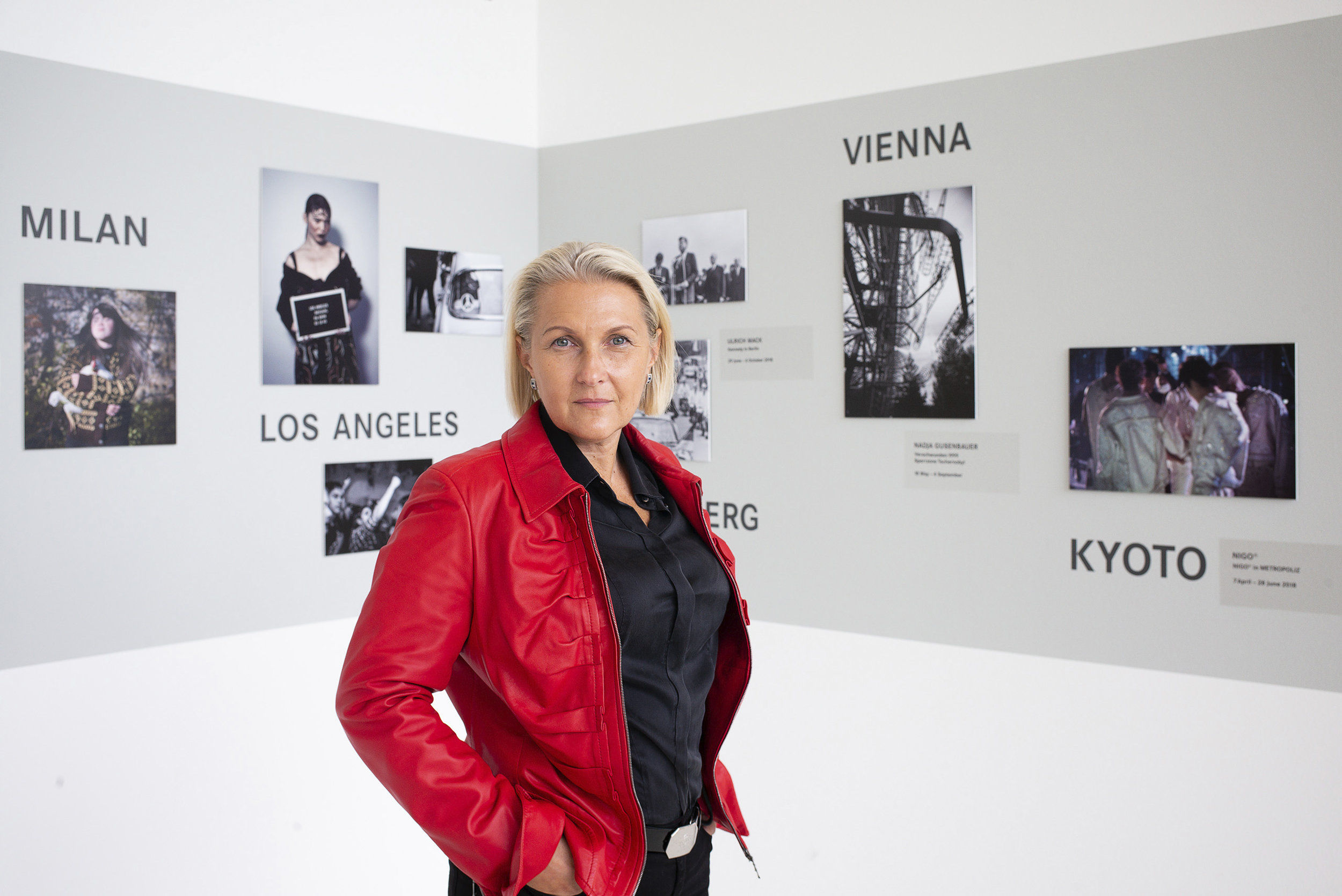 FOTOCULT Herausgeberin Nadja Gusenbauer stellt aktuell in der Leica Galerie Wien aus.