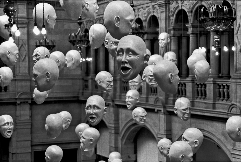 Kelvingrove Art Gallery and Museum,    Glasgow, Scotland, 2012   Photo © 2018 Elliott Erwitt/Magnum Photos. All rights reserved.