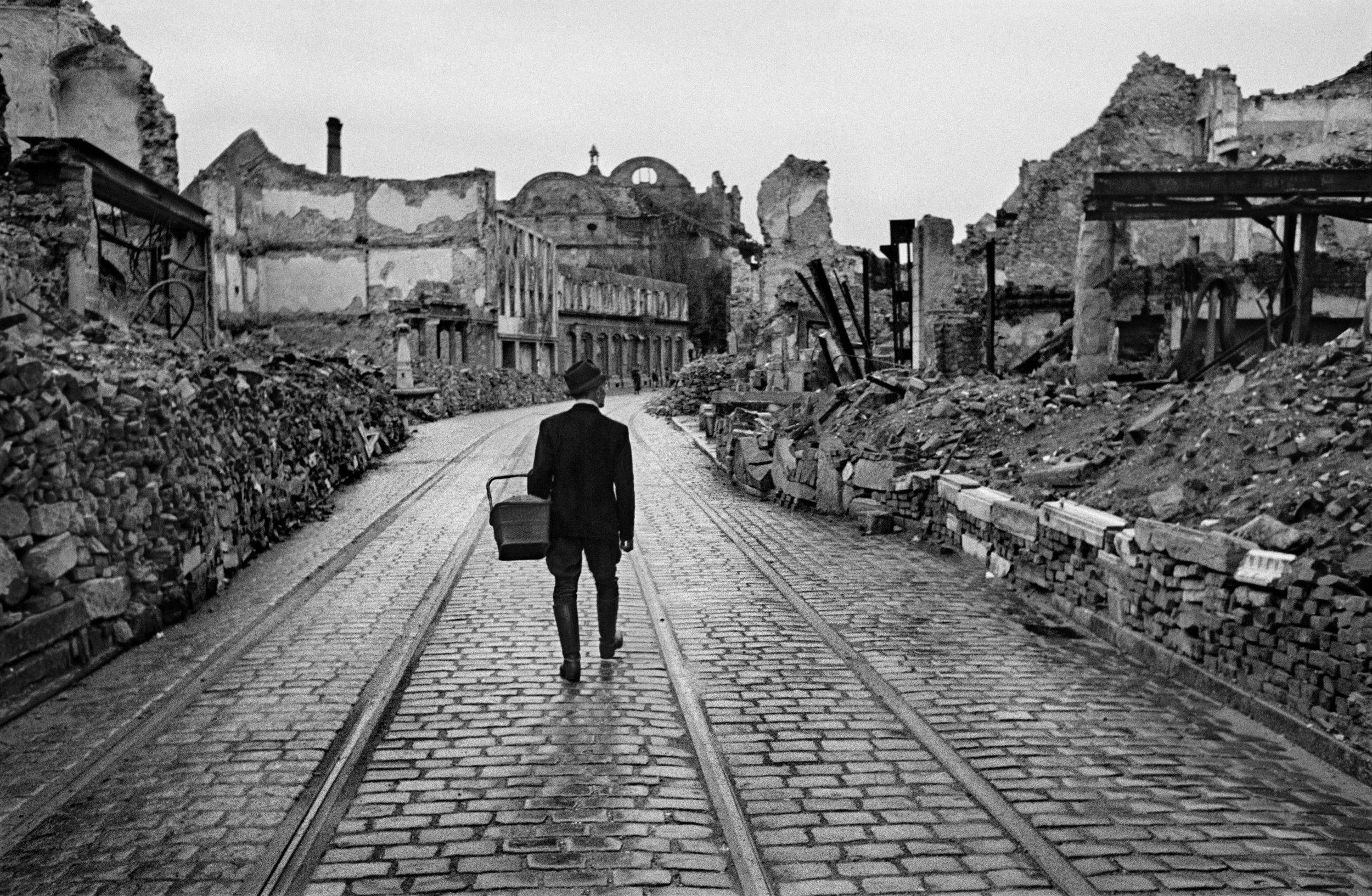 Germany. Freiburg im Breisgau, 1945 © Werner Bischof_ Magnum Photos 2019...