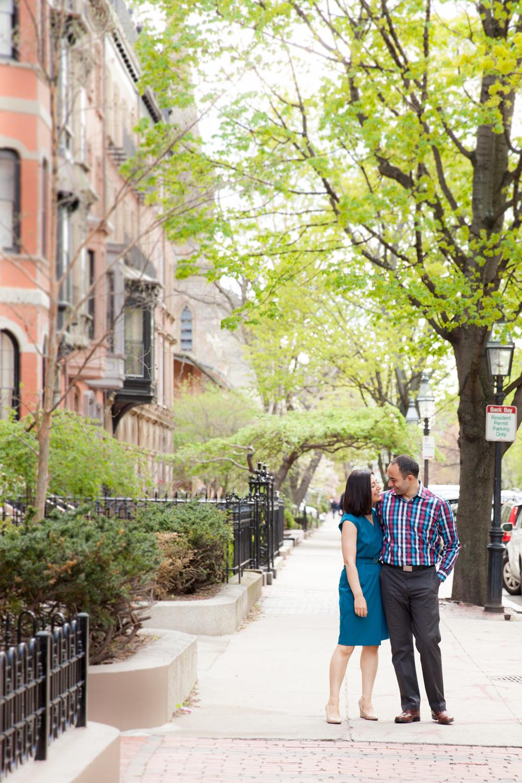 portrait-session-with-couple-on-marlborough-street-boston-back-bay