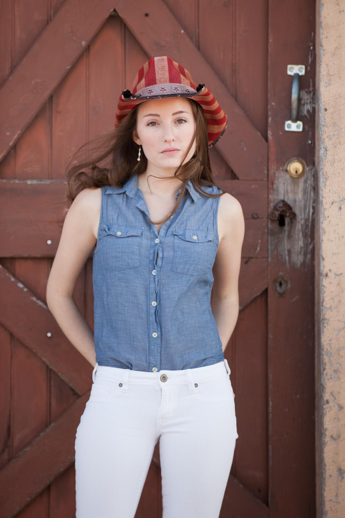 american-girl-denim-shirt-white-jeans-cowboy-hat.jpg