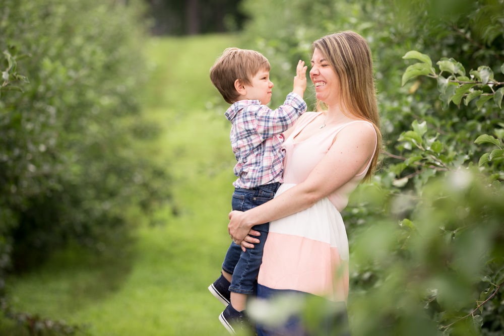 mom-and-son-sweet-family-photo-smolak-apple-picking.jpg