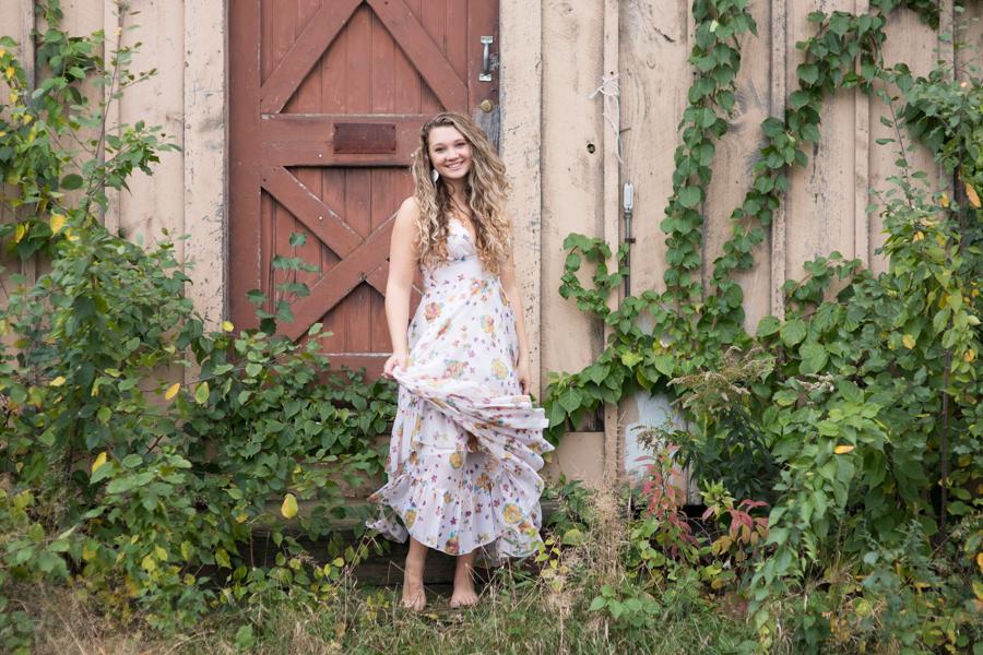 nature-barefoot-barn-door-florals.jpg