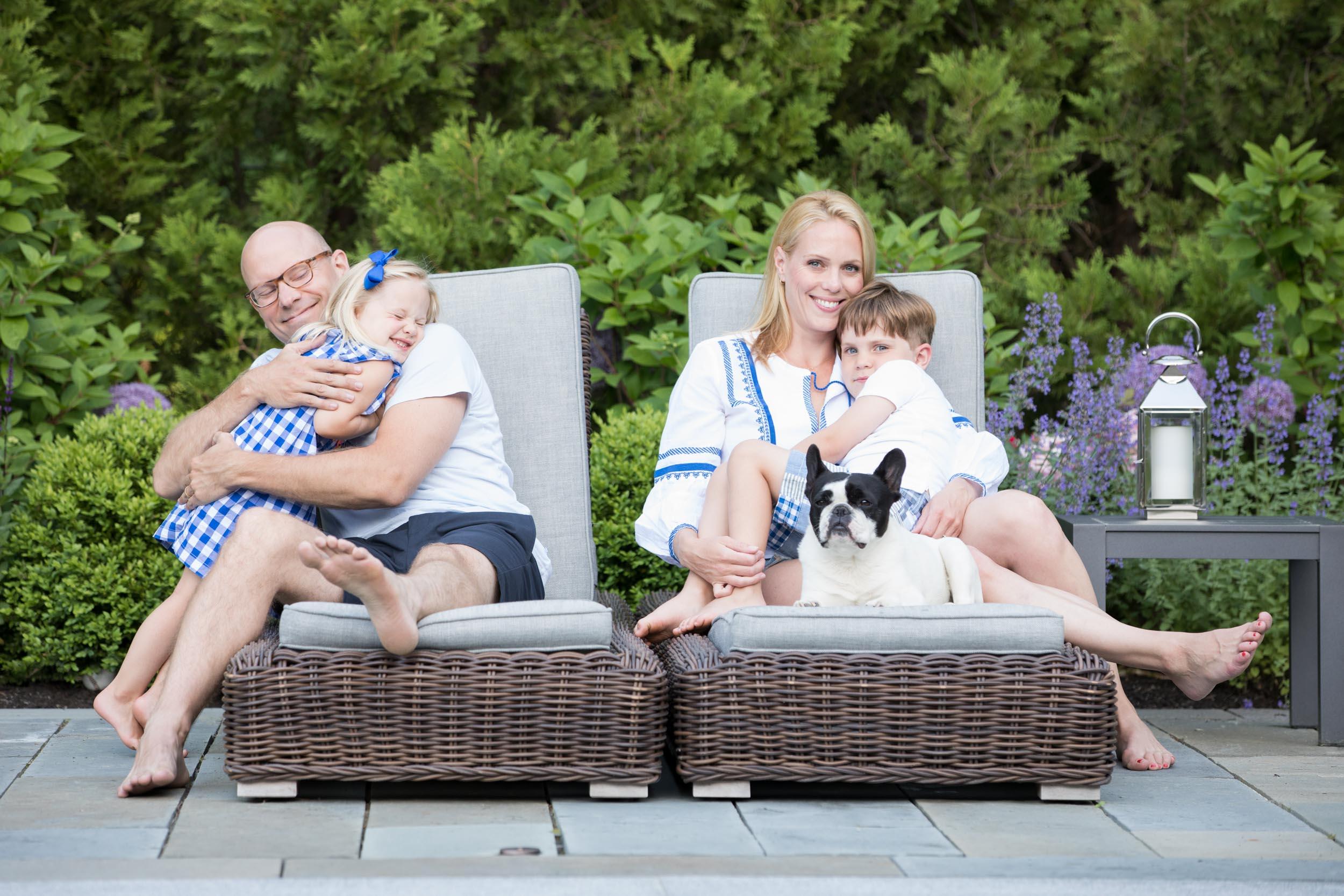 family-love-hugs-candid-poolside-summer.jpg