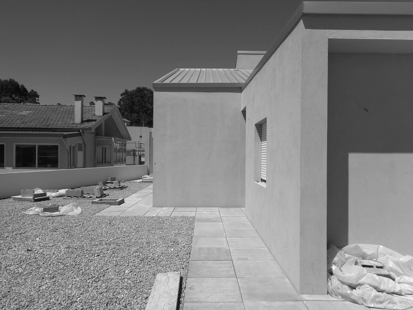 Antero - Construção - Stand - Oficina - BMW - Yamaha - EVA evolutionary architecture - Arquitectos Porto (2).jpg