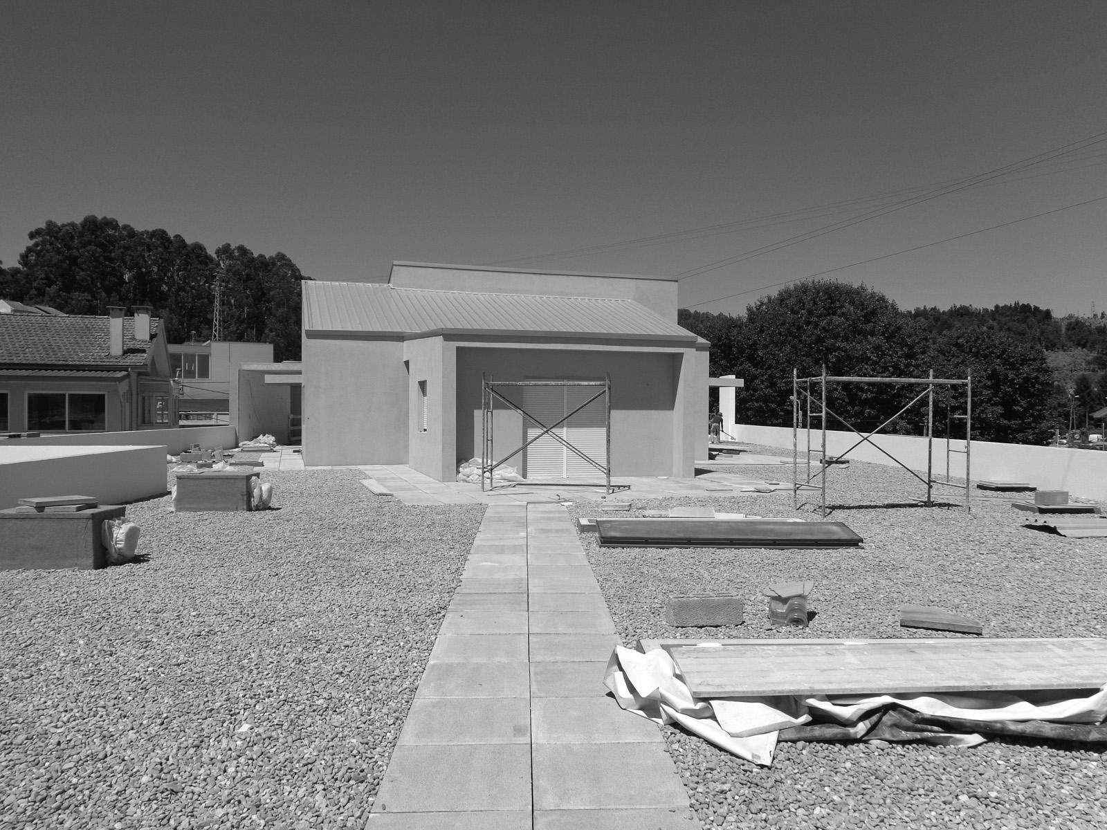 Antero - Construção - Stand - Oficina - BMW - Yamaha - EVA evolutionary architecture - Arquitectos Porto (6).jpg