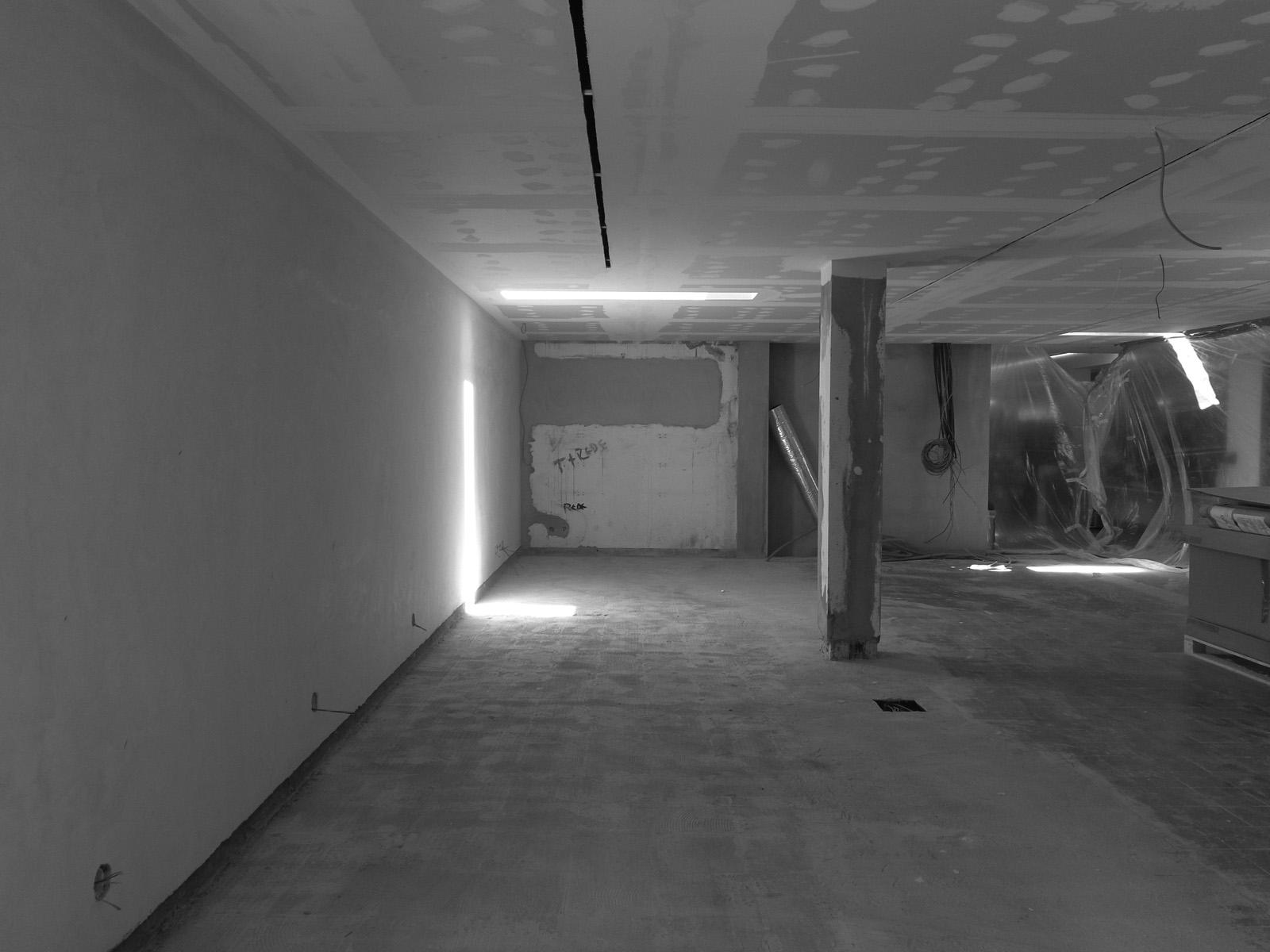 Antero - Construção - Stand - Oficina - BMW - Yamaha - EVA evolutionary architecture - Arquitectos Porto (9).jpg