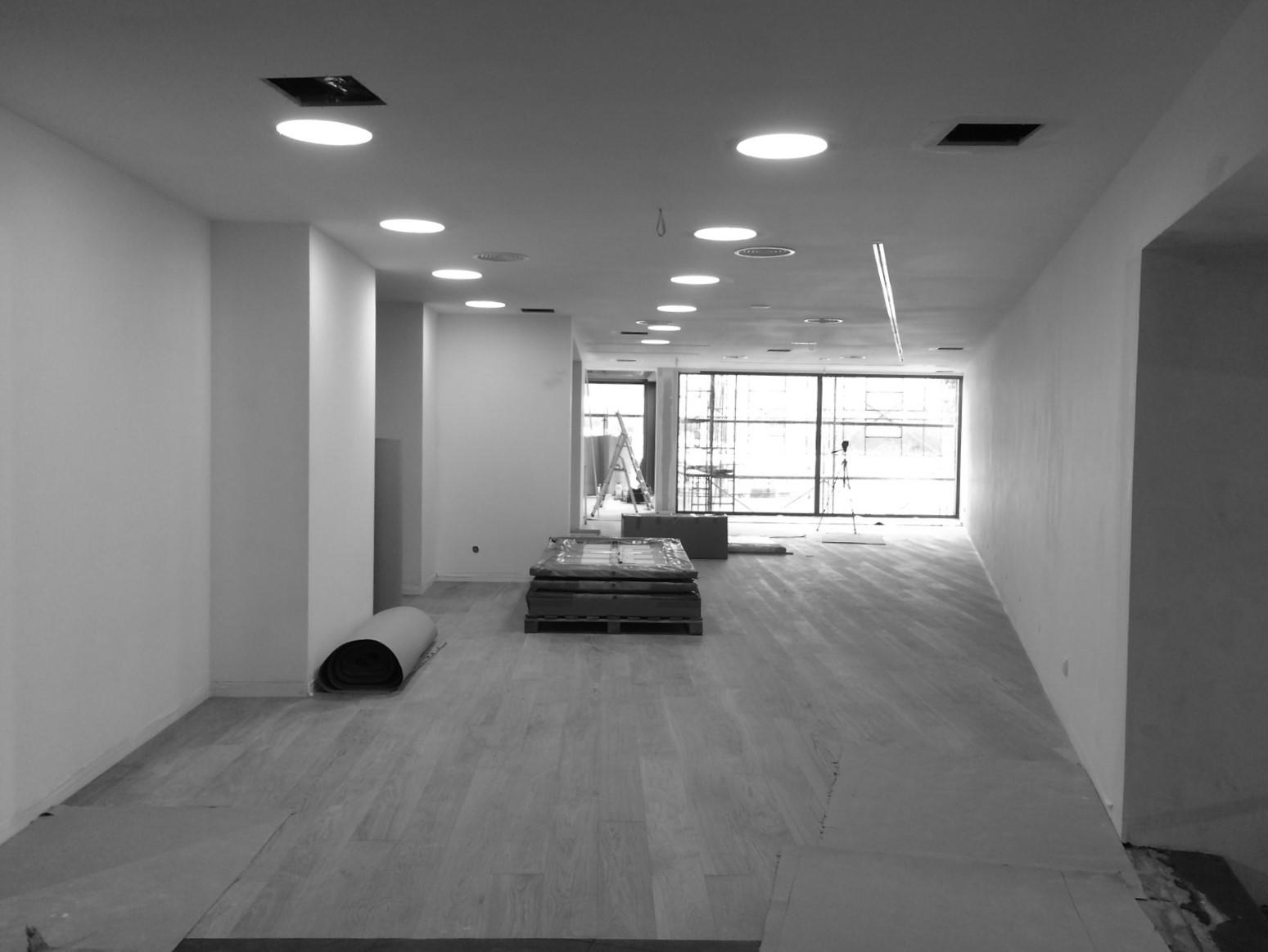 Antero Motos - Construção - Stand - Oficina - BMW - Yamaha - EVA evolutionary architecture - Arquitectos Porto (9).jpg