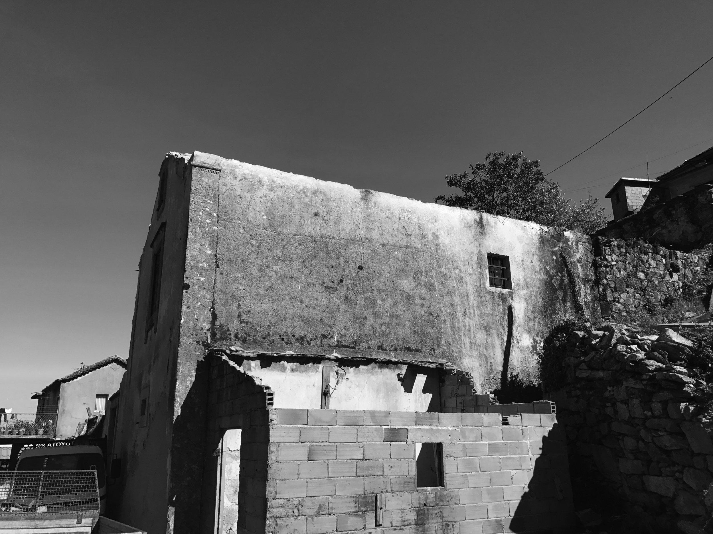 Moradia Folgorosa - Vale de Cambra - EVA atelier - Arquitectura - Obra (1).jpg