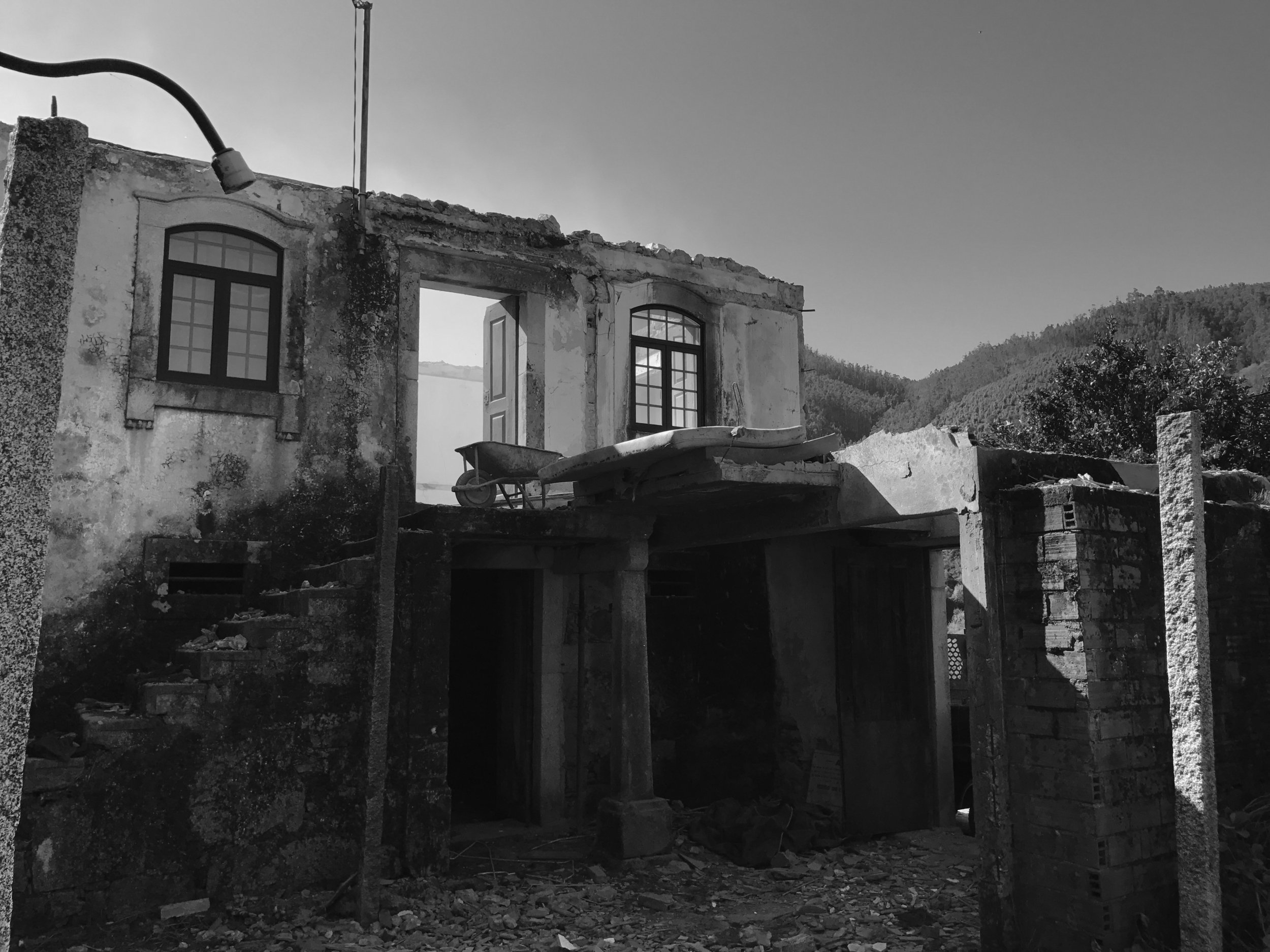 Moradia Folgorosa - Vale de Cambra - EVA atelier - Arquitectura - Obra (24).jpg