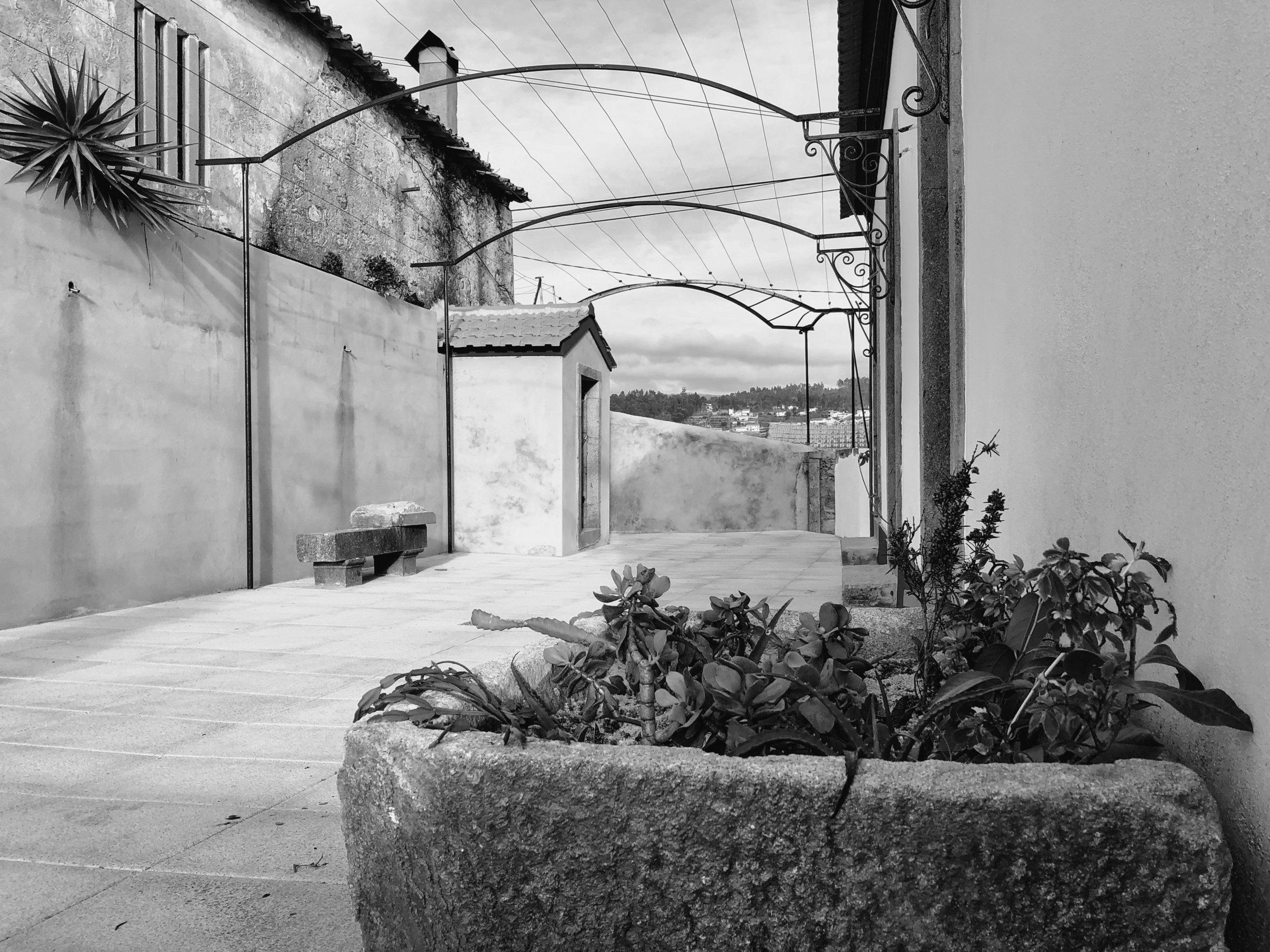 Moradia Coelhosa - EVA evolutionary architecture - remodelação - reconstrução - arquitectura - vale de cambra (19).jpg