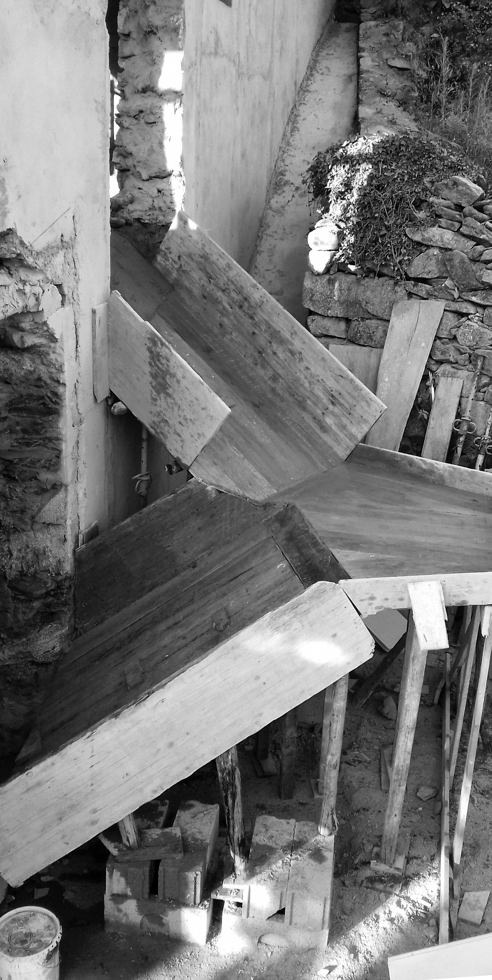 Moradia Folgorosa - EVA evolutionary architecture - arquitecto - reconstrução - vale de cambra (2).jpg