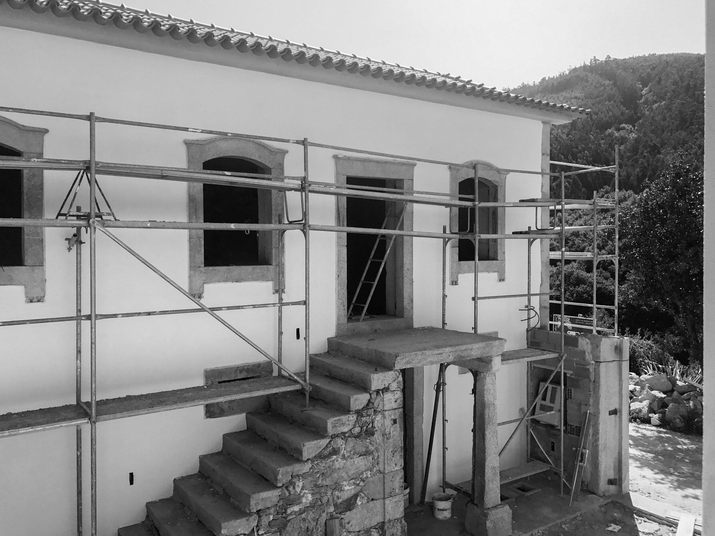 Moradia Folgorosa - EVA evolutionary architecture - arquitecto - reconstrução - vale de cambra (16).jpg