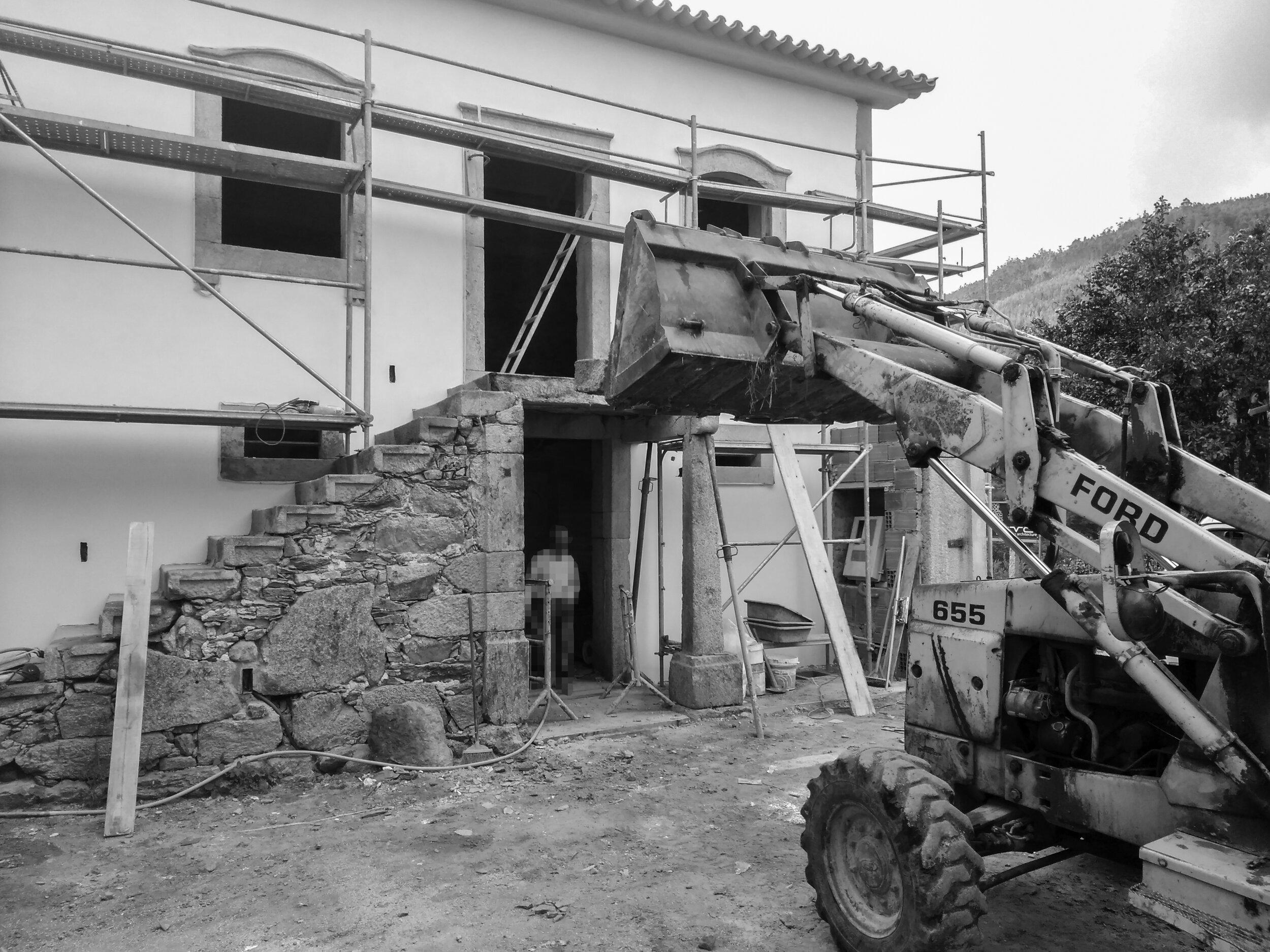 Moradia Folgorosa - EVA evolutionary architecture - arquitecto - reconstrução - vale de cambra (18).jpg