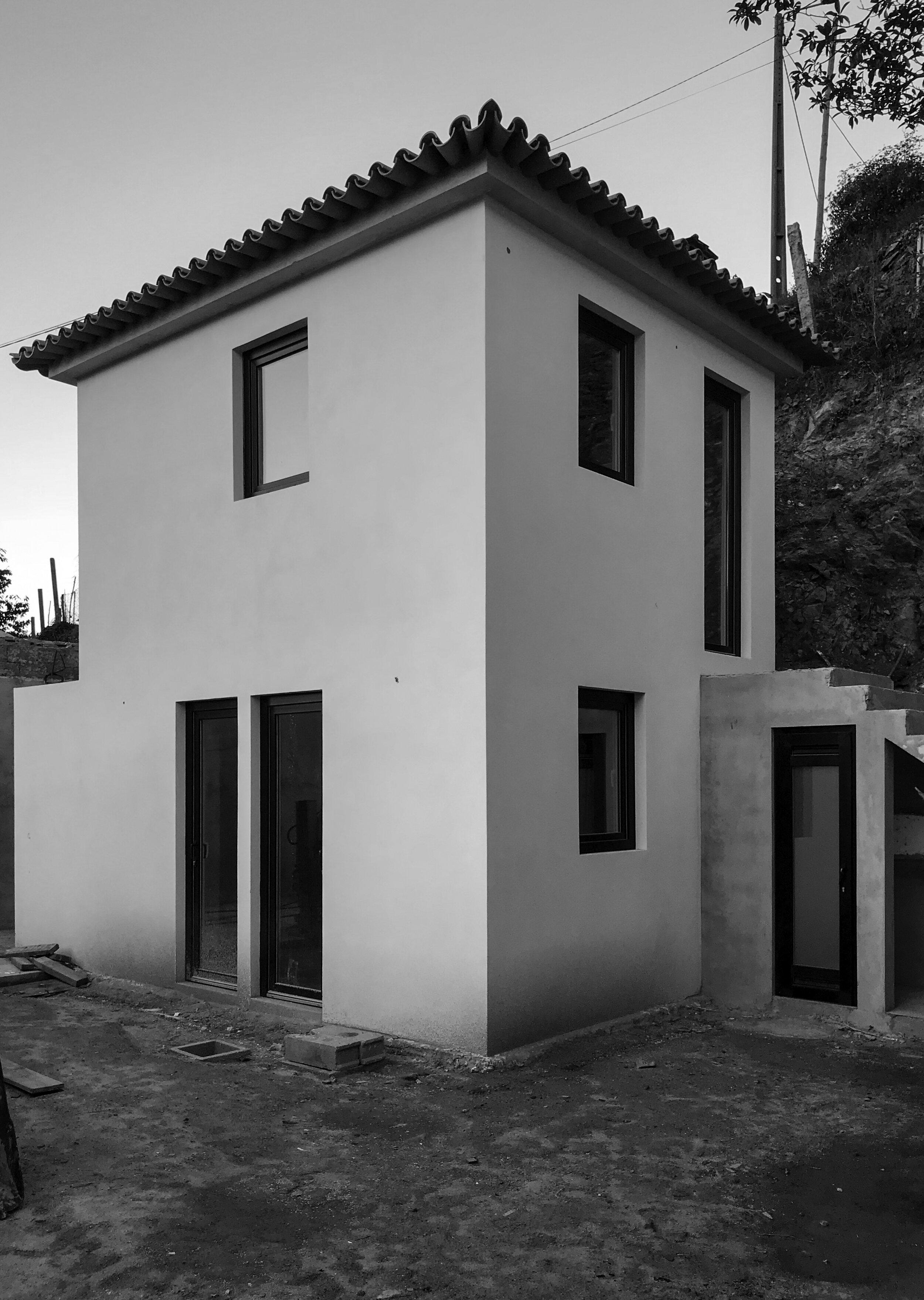 Moradia Folgorosa - EVA evolutionary architecture - arquitecto - reconstrução - vale de cambra (21).jpg