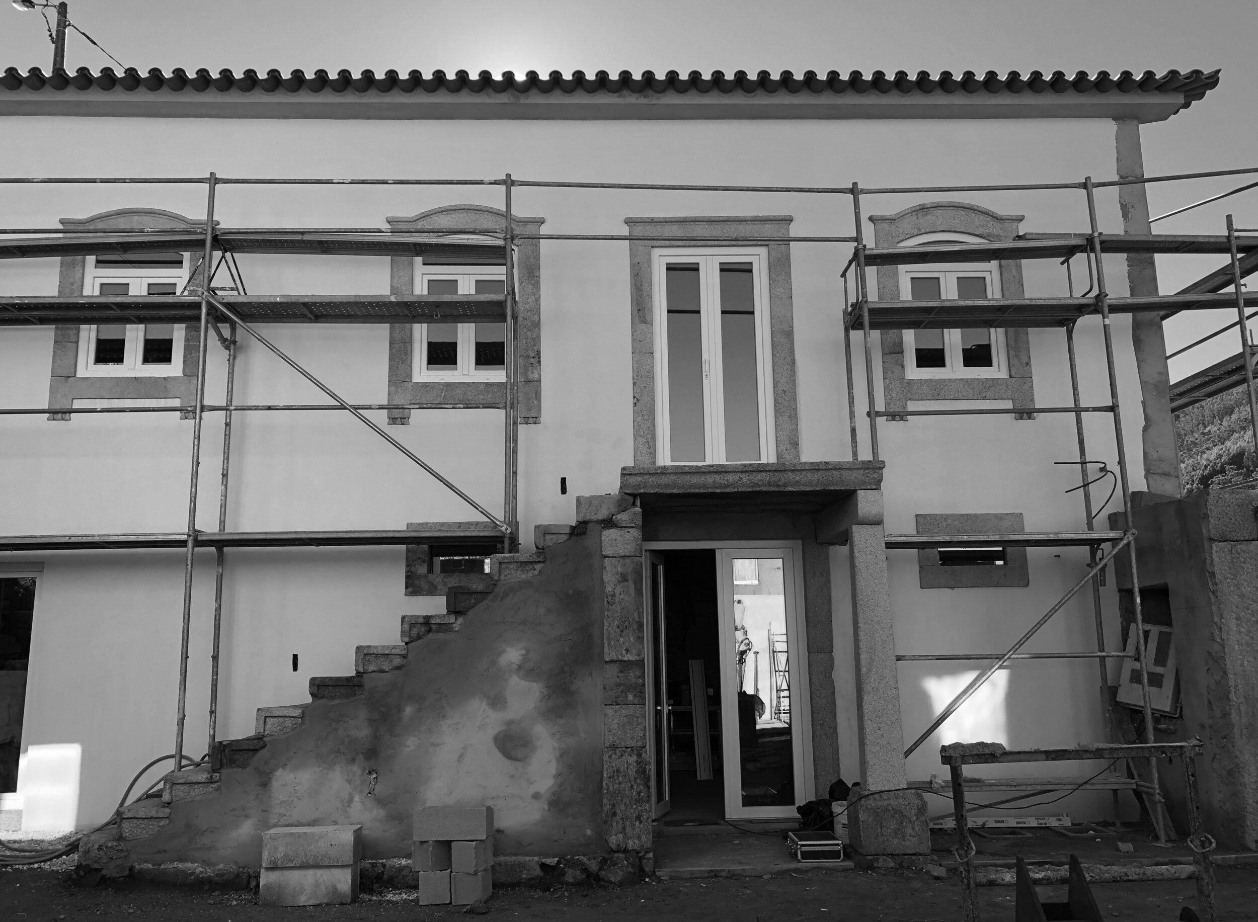 Moradia Folgorosa - EVA evolutionary architecture - arquitecto - reconstrução - vale de cambra (25).jpg