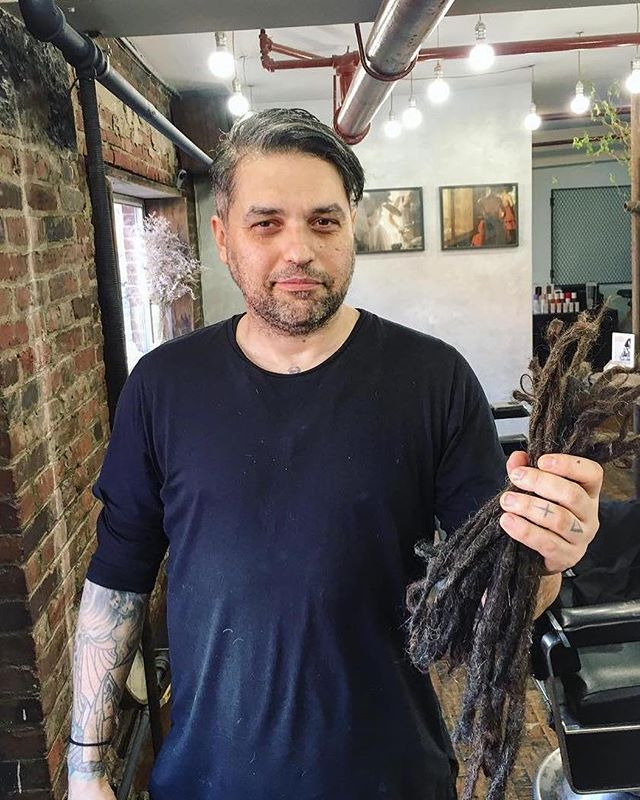 🚨New Look Alert 🚨After 20 years of dreads, @eagle_of_lagash braced the scissors for a big chop with @daveypartainhair ✂️ ____ To Book: ☎️Hackney: 44 207 254 1499. 📞Greenpoint: 347 335 0666. 💻kennaland.com