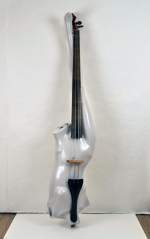 White Mannekin Bass.jpg