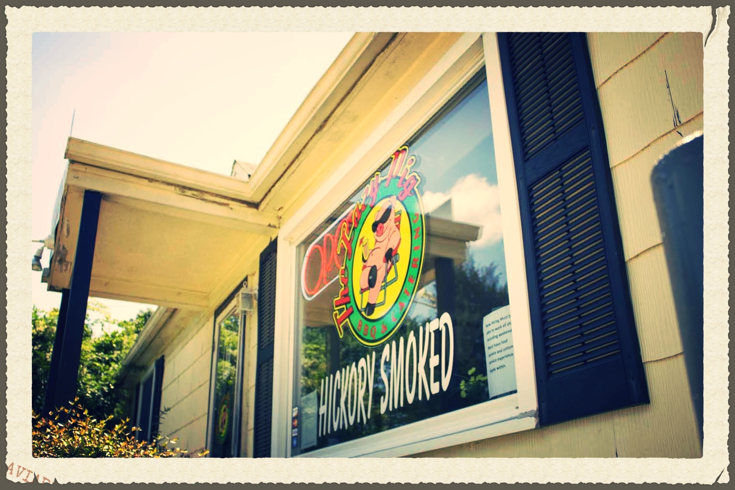 The lazy pig bbq carry-out located in dumfries, va