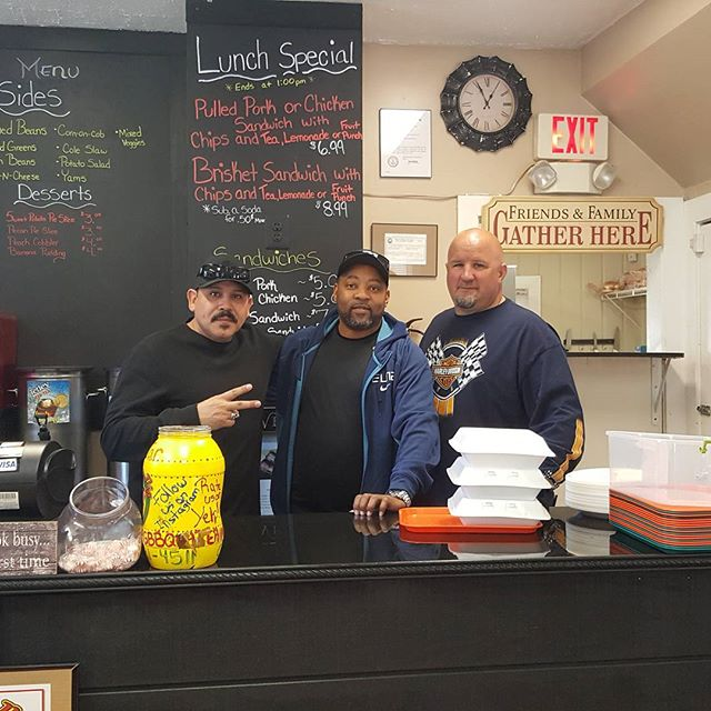 Emilio RIVERA fron sons of Anarchy and Ken owner of Harley Davidson of Dumfies stopped in. Great guys