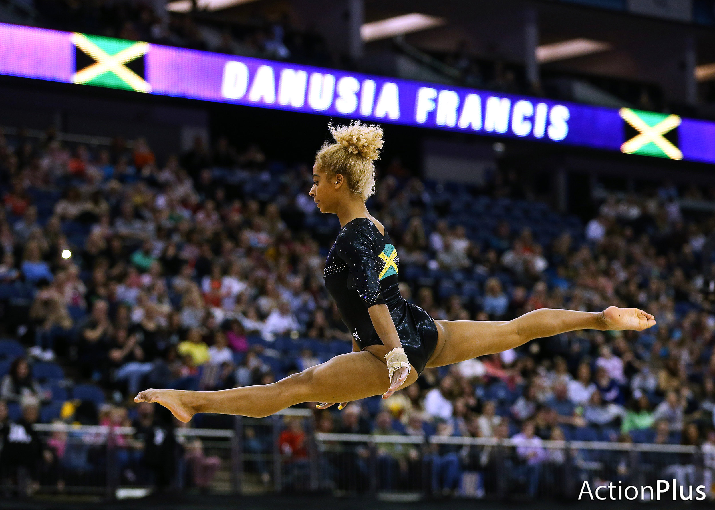 Danusia Francis of Jamaica performing on the floor.
