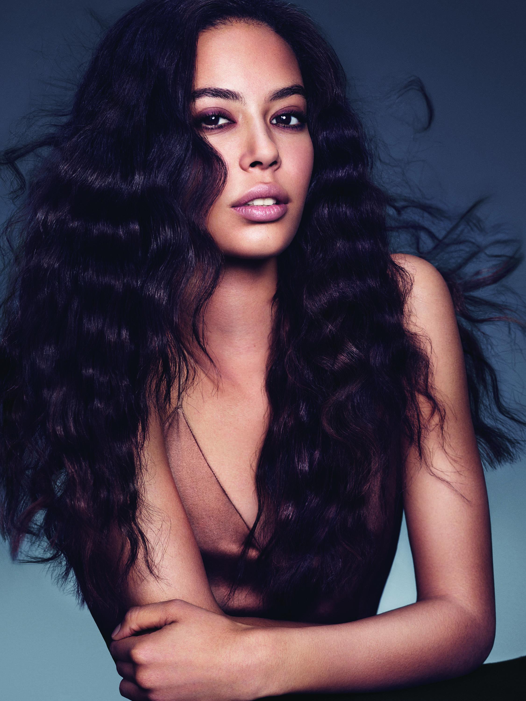 - Hair: Tippi Shorter