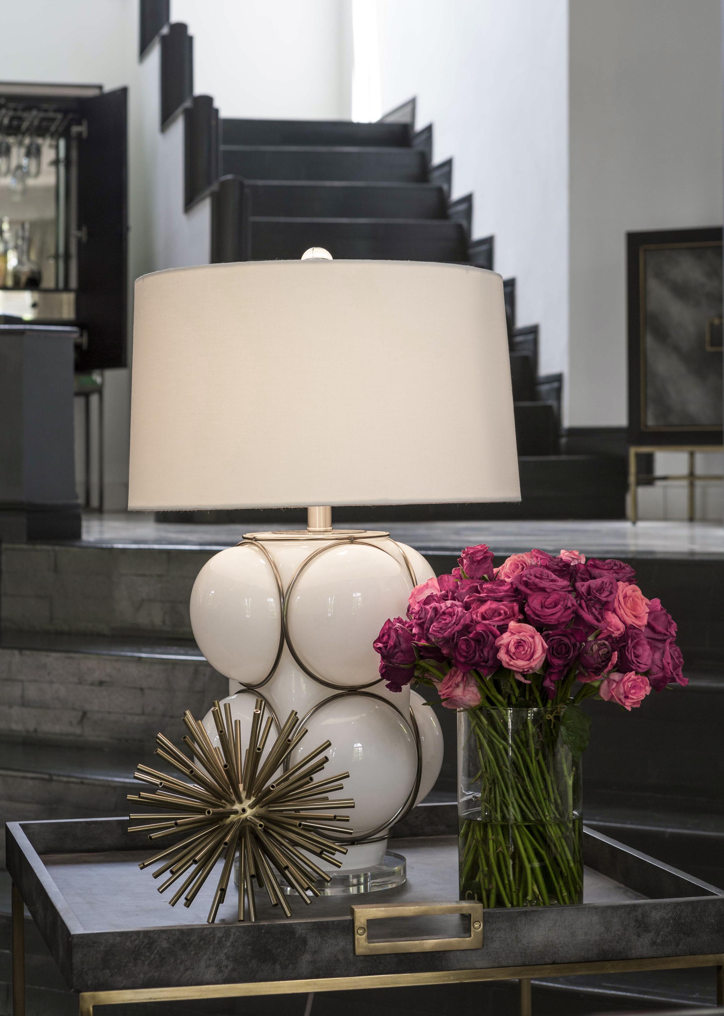 Nellcote_Studio_White_Bubble lamp.jpg