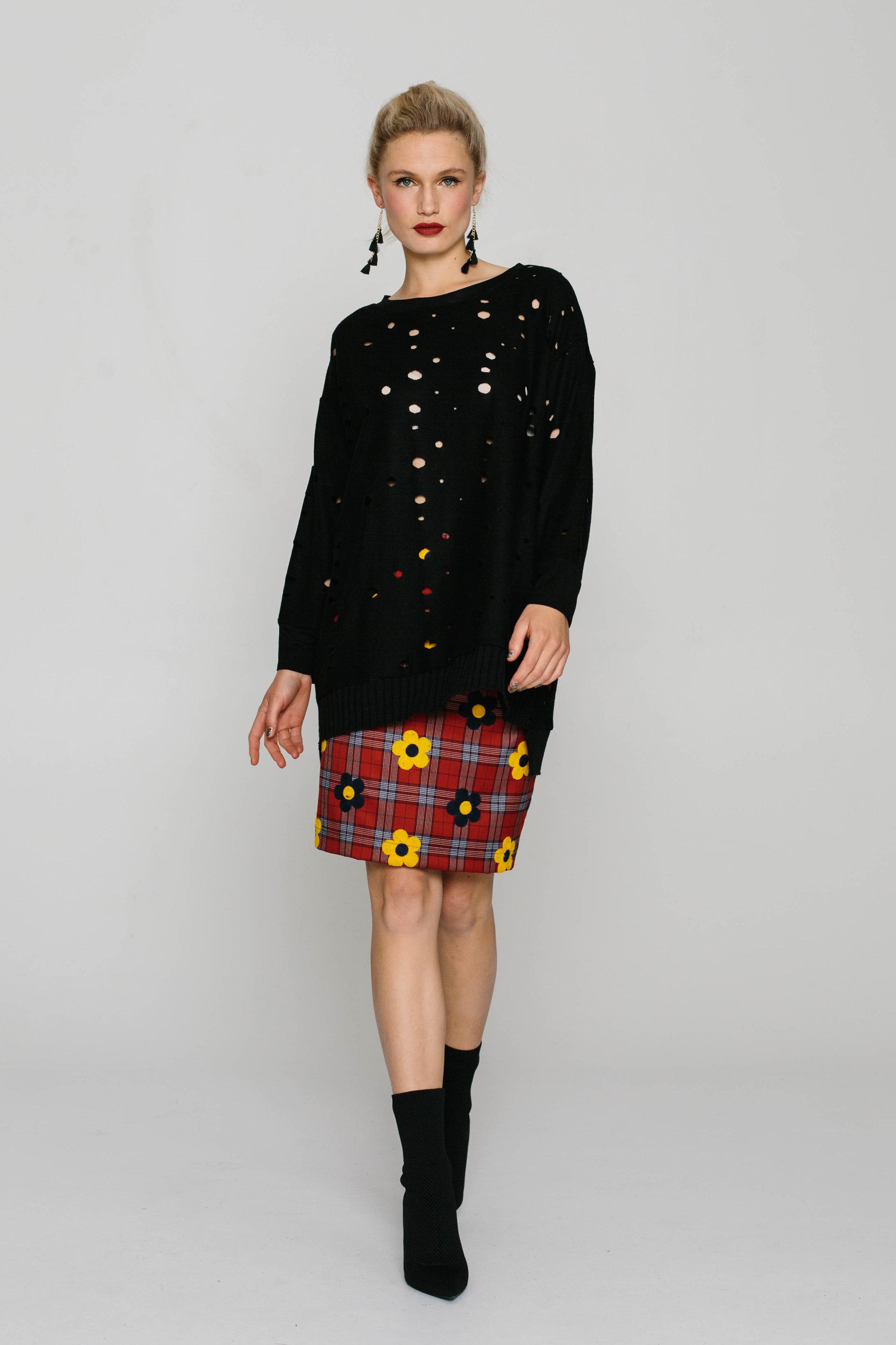 5861W See Me Jumper Italian Black 5740W Straight Skirt Tartan Daisy Mustard