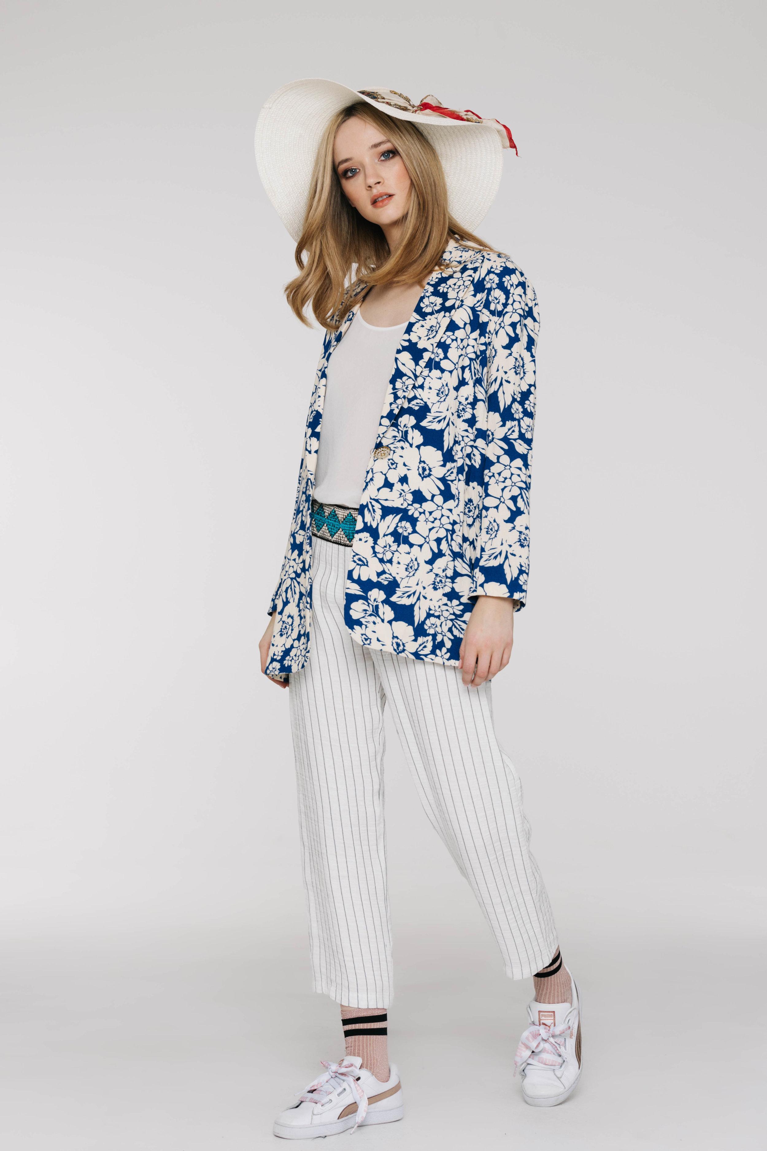 Benatar Jacket 6487N Jillian Blue, Cullotte 5642N Amalfi Stripe Ivory