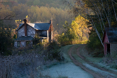 Farmhouse Forgotten, by Tom Jenz. All rights reserved.