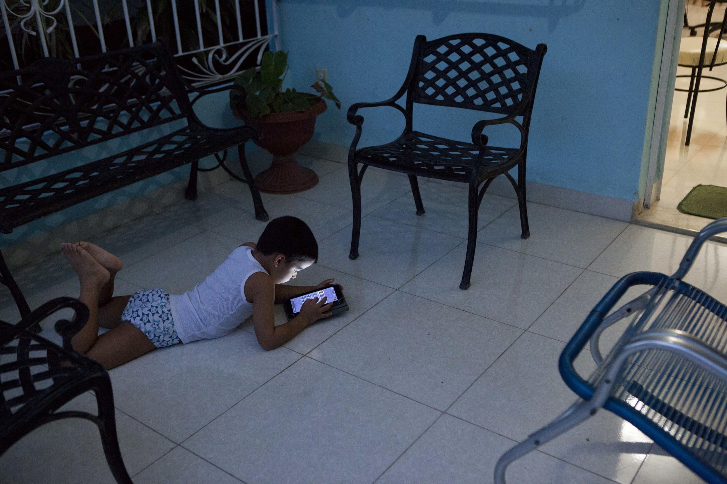 Marcel on tablet, 5
