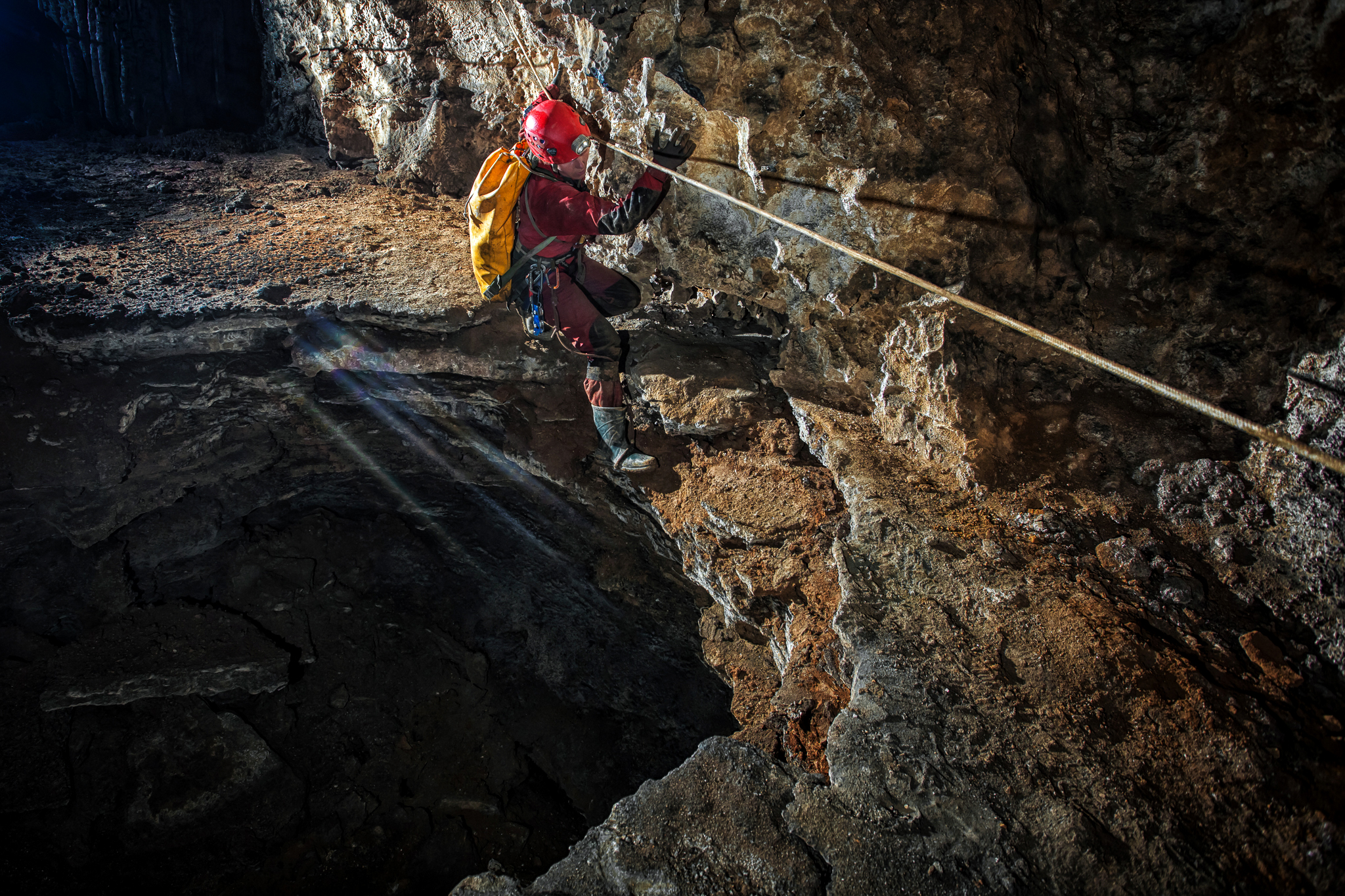 07_KasiaBiernacka_Caves_Mexico_Cheve_SurpriseStreamLead_2_2017.jpg