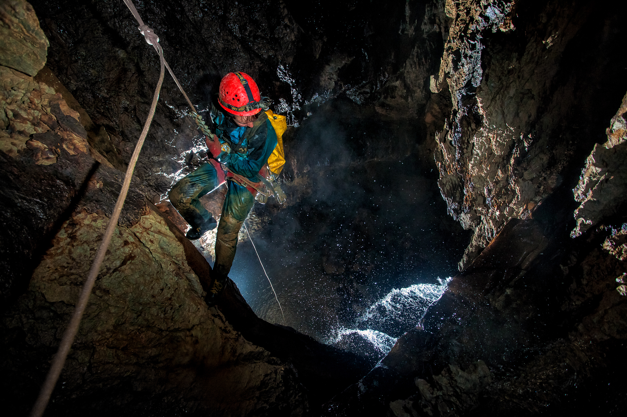 05_KasiaBiernacka_Caves_Mexico_Cheve_SurpriseStreamLead_1_2017.jpg
