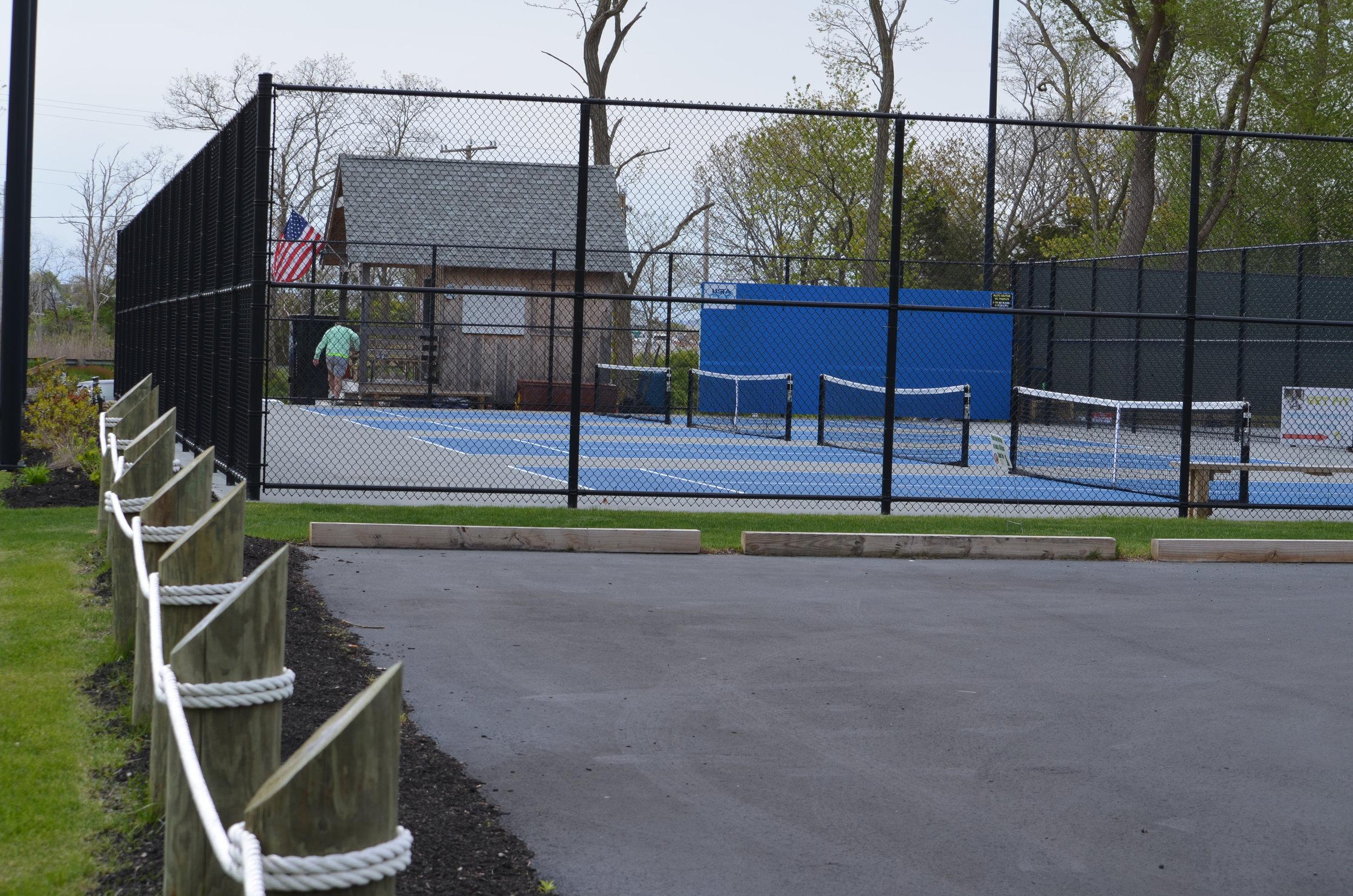 10 & Under Tennis Courts
