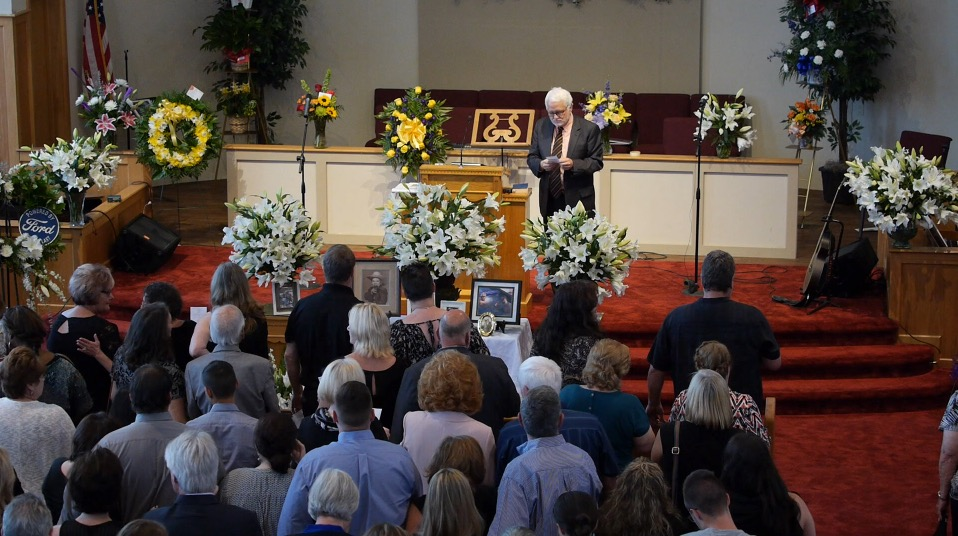 smart funeral 03.jpg