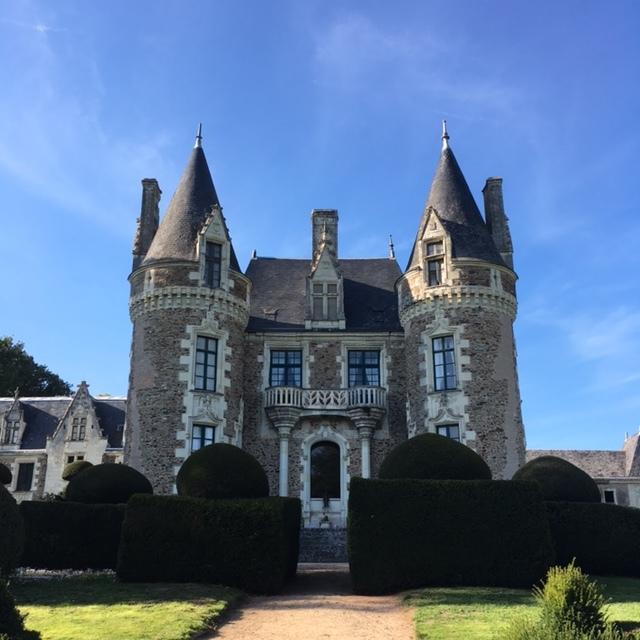 Shelley-chateau.JPG