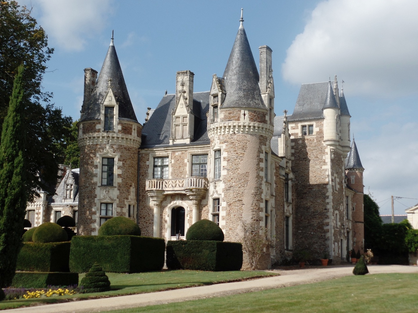 Magical Chateau du Pin picture copy.jpg