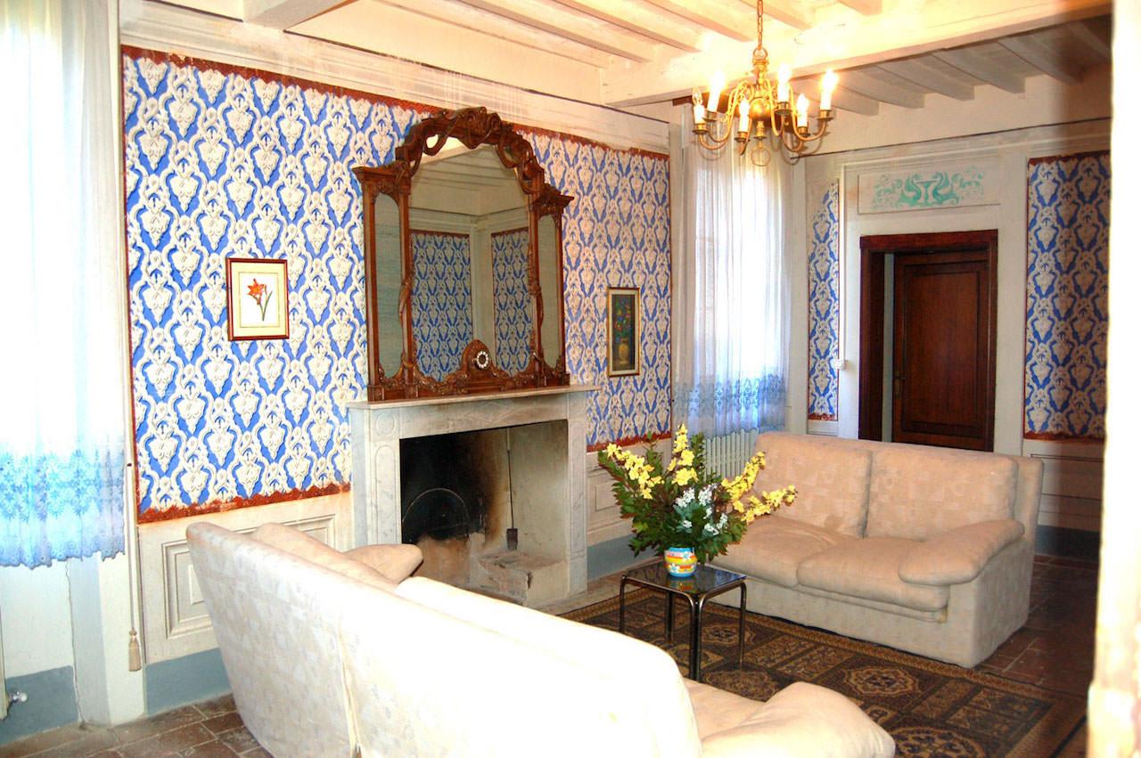 villa-1stfloorlivingroom.jpg