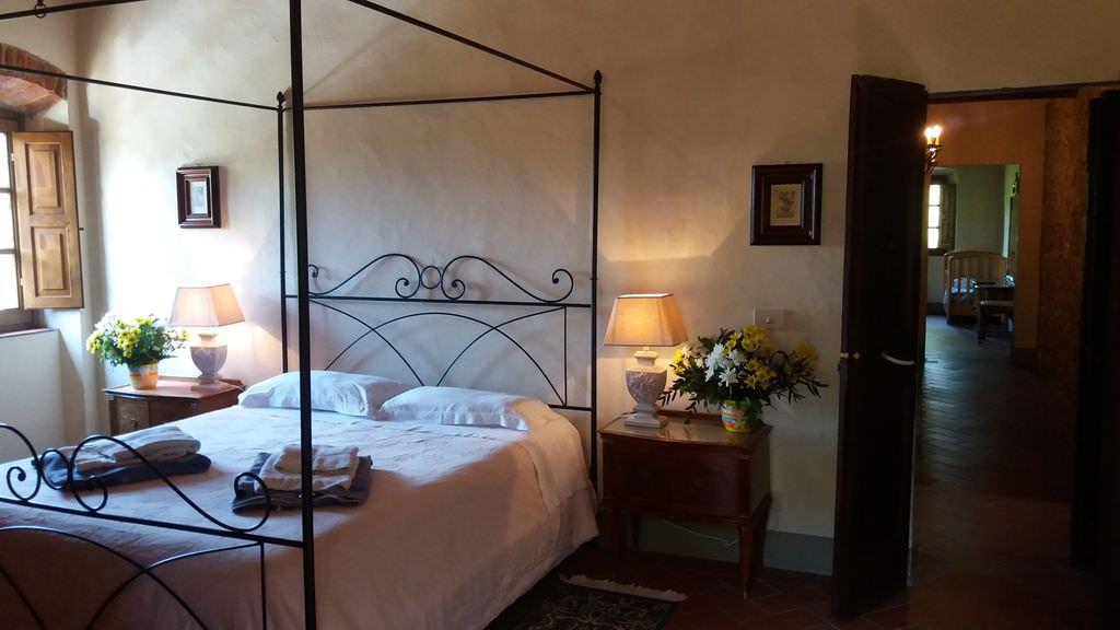 Italy-casanova-bedroom1.jpg