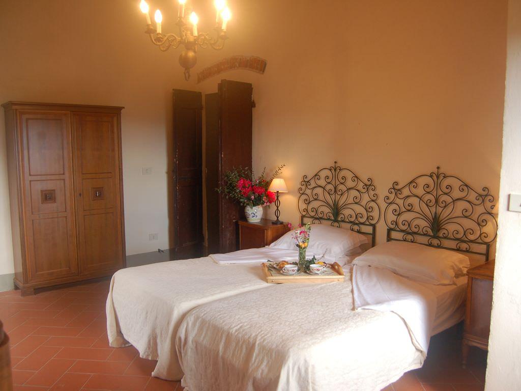 Italy-casanova-bedroom3.jpg