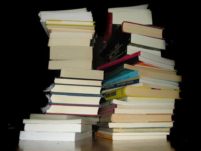 stack-of-books-1531138-640x480.jpg