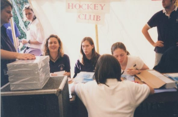 Hockey%2520club%2520at%2520freshers%2520fayre.jpg