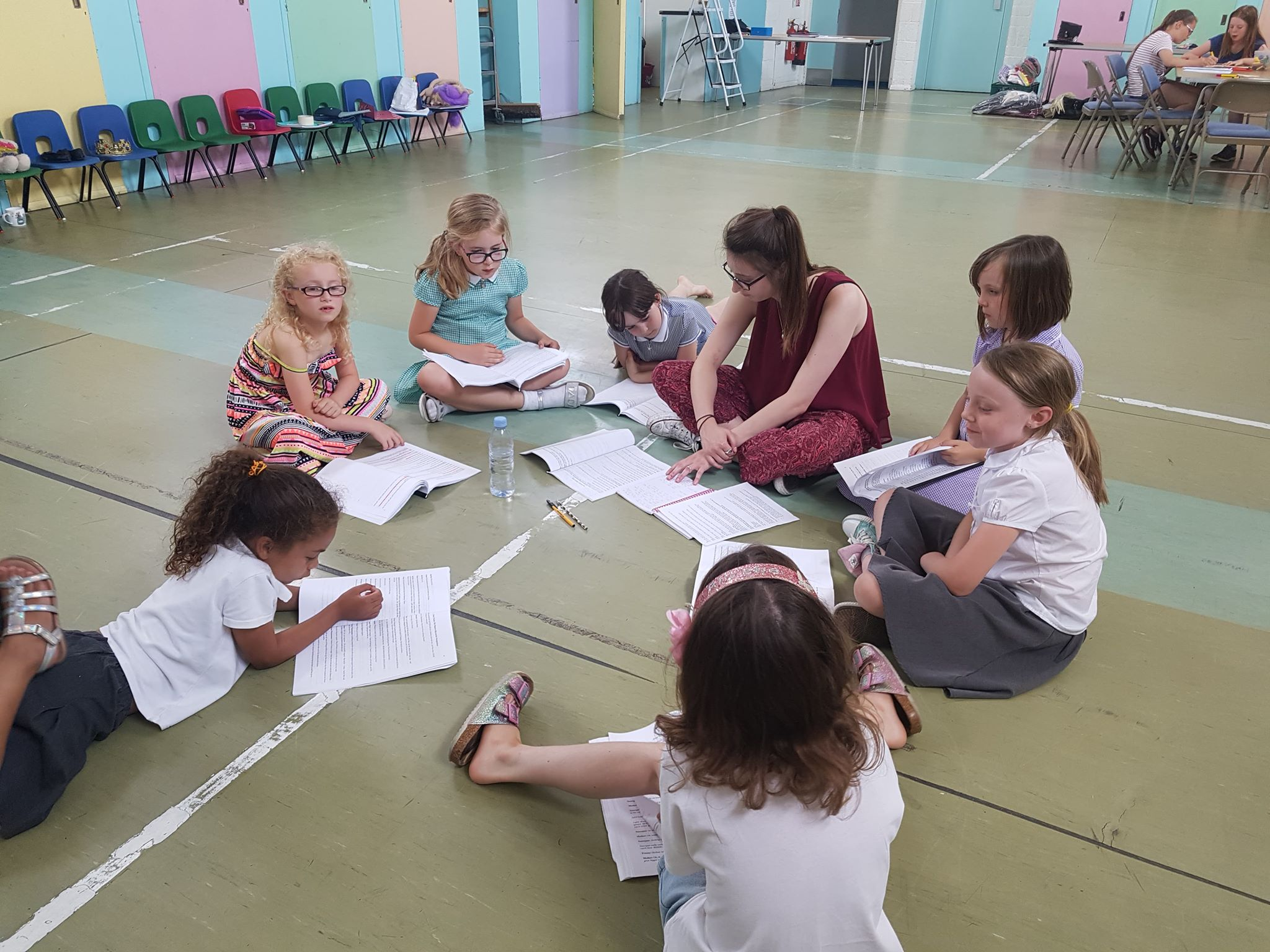 Ellie Snow working with her youth theatre group