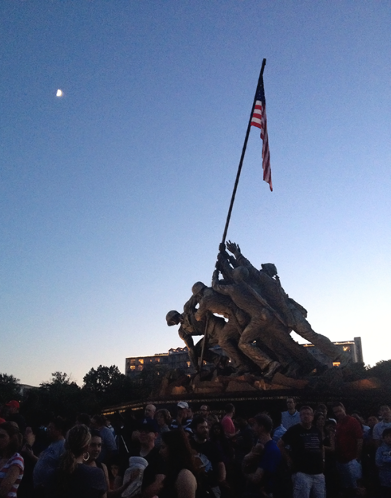 ^^ Catching fireworks at the Iwo Jima Memorial in Rosslyn. By far the best view in Virginia.