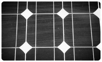 6 SOLAR PANELS PROVIDE ENERGY EVEN AT DUSK.