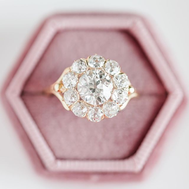 This ring in all it sparkly goodness from @trumpetandhorn is what dream are made of! That is all... carry on with your Monday afternoon scrolling... unless of course you want to see more!  More is required you say (I knew we were friends for a reason) well hop on over to our Instastories to peep the sneak peek before they disappear or better yet visit the epic blog post by @mistycphotography which is filled with even more images from this latest venture... the link to the epic ness is in our bio!  Happy Monday all you epic IG peeps!  #diamondring #diamonds #daydreaming #girlsbestfriend #sparklingstunner #justengaged #creativeplanning #engaged #weddingrings #weddingledgends #engagementseason #collaboration