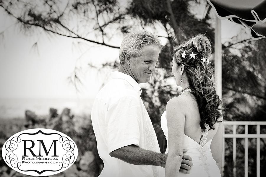 Delray-Beach-Club-wedding-bride-first-look-photo