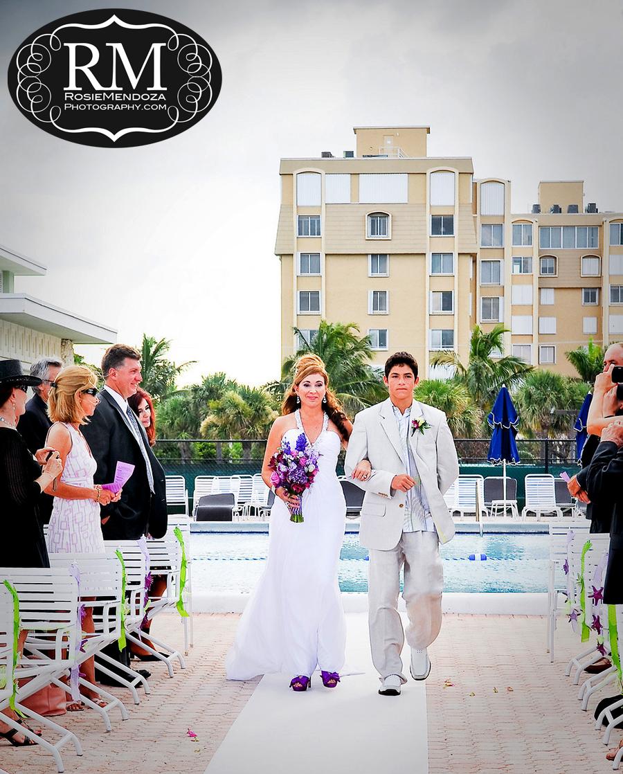 Delray-Beach-Club-wedding-bride-walking-down-the-isle-photo